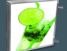 Reklama świetlna LED z drukiem UV SDEKO